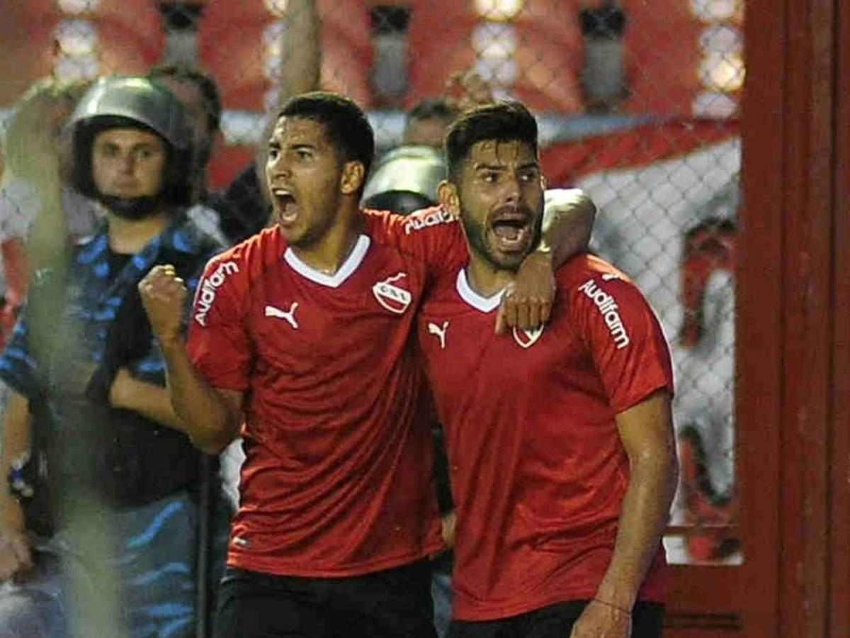 América irá FIFA para obligar a Independiente a pagarle una deuda por los fichajes de Cecilio Domínguez y Silvio Romero