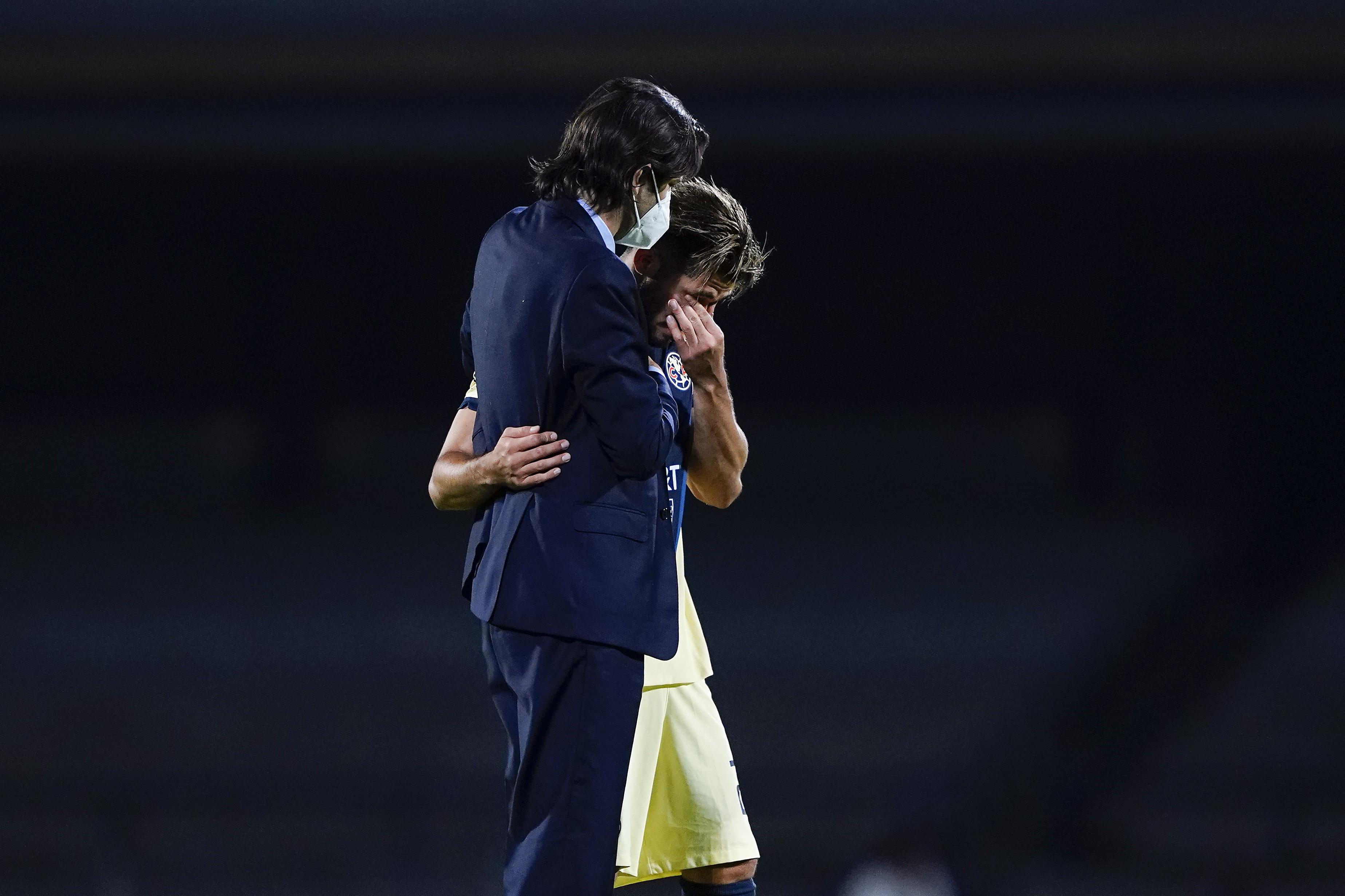 El gesto de Santiago Solari con Henry Martín después de la victoria de  América sobre Pumas en el Clásico Capitalino de la Liga MX | América  Monumental